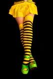 Gestreifte Fahrwerkbeine - gelb und schwarze Streifen Stockfotos