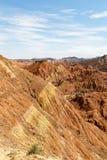 Gestreifte Felsformationen in Danxia Feng oder farbige Regenbogen-Berge, in Zhangye, Gansu, China stockfotos