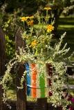 Gestreifter Blumentopf Stockfoto