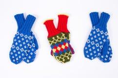 Gestrickte Handschuhe lizenzfreie stockbilder