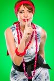 gesture тип безмолвия штыря девушки чувственный показывая вверх Стоковое Изображение