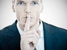 Человек gesturing для тиши Стоковые Изображения RF