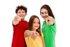 Gesturing dei bambini isolato su priorità bassa bianca Fotografie Stock Libere da Diritti