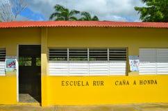 Gesubsidieerde lage school, Dominicaanse Republiek Stock Foto