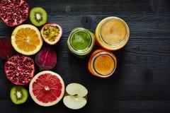 Gesunde Bestandteile neuen organischen smothies rohen Lebensstils Lizenzfreies Stockfoto