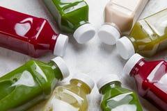 Gesunde Ernährung, Getränke, Diät und Detoxkonzept Stockfoto