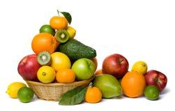 Gesunde Frucht getrennt auf Weiß stockfotos