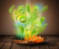Gesunde grüne Bioplatte des Lebensmittels Lizenzfreie Stockfotos