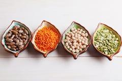 Gesunde Impulsprodukte Kichererbse, Linse, Bohnen und Erbsen Stockfotos