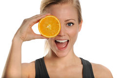 Gesunde junge Frau mit frischer Zitrusfrucht-Orange Stockfotos