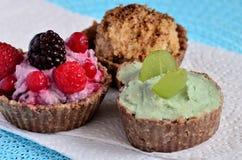Gesunde kleine Kuchen stockbilder