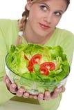 Gesunde Lebensstilserie - Kopfsalat mit Tomaten Stockfotografie