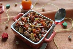 Gesunde Nahrung: Trockenfrüchte, kandierte Früchte, Nüsse, Samen, indischer Sesam lizenzfreies stockbild