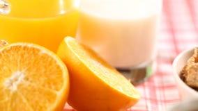 Gesunde Nahrung zum Frühstück stock footage