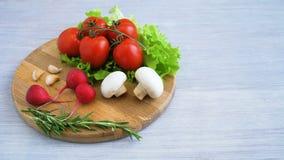 Gesunde Nahrungsmittel, Kochen und vegetarisches Konzept stock footage