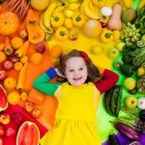 Gesunde Obst- und Gemüse Nahrung für Kinder Stockbilder
