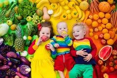 Gesunde Obst- und Gemüse Nahrung für Kinder Lizenzfreies Stockbild
