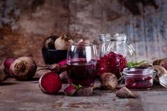 Gesunde Rote-Bete-Wurzeln Produkte Stockfotos