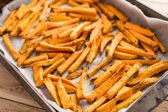 Gesunde Süßkartoffel, gebackene Fischrogen stockfotografie