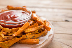 Gesunde Süßkartoffel, gebackene Fischrogen stockfotos