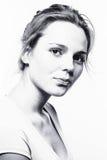 Gesunde Schwarzweiss-Haut des Frauenstudio-Gesichtes Stockfotos