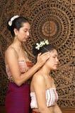 Gesunde siamesische Massage Stockbilder