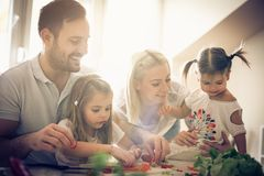Gesunde und glückliche Familie Lizenzfreie Stockfotos