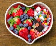 Gesunde und ungesunde Nahrung Essen des Konzeptes stockbild