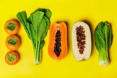 Gesunde vegetarische Nahrung Rohe organische Früchte, Gemüse-BAC stockfoto