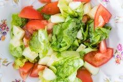 Gesunder Gemüsesalat voll von Vitaminen Stockfoto
