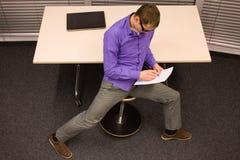 Gesunder Lebensstil in der Büroarbeit Stockbilder