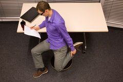 Gesunder Lebensstil in der Büroarbeit Stockfotografie