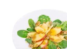 Gesunder Salat mit Apfel und Walnüssen Stockfotografie