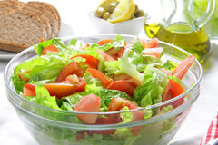 Gesunder tomao und Kopfsalatsalat Lizenzfreies Stockfoto