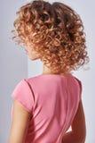 Gesundes blondes gewelltes Haar Lizenzfreie Stockfotografie