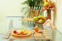 Gesundes Essen, Kücheinnenraum stockfotografie