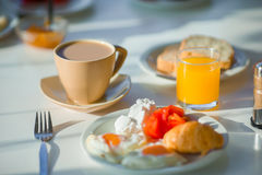 Gesundes Frühstück Café im im Freien stockfotos