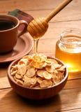 Gesundes Frühstück mit Honig lizenzfreie stockfotografie
