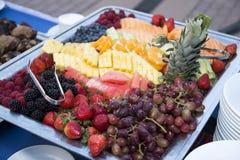 Gesundes frische Frucht-Lebensmittel-Buffet Stockfoto
