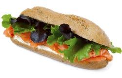 Gesundes geräucherte Lachs-Sandwich Stockbilder