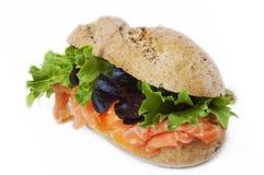 Gesundes geräucherte Lachs-Sandwich Stockbild