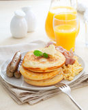 Gesundes nahrhaftes Frühstück Lizenzfreies Stockbild