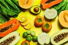 Gesundes organisches Gemüse, Frucht-Hintergrund Vegetarier Nutrit stockfotos