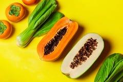 Gesundes rohes biologisches Lebensmittel Zusammensetzung von Früchten, Gemüse veg Lizenzfreies Stockfoto