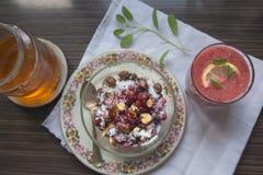 Gesundes und wohlschmeckendes Frühstück Lizenzfreie Stockbilder