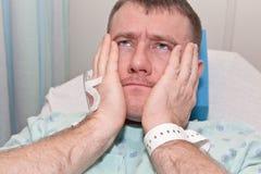 Gesundheitspflege: Mann im Krankenhaus Lizenzfreies Stockfoto