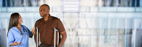 Gesundheitswesen-Arbeitskraft und älterer Patient Lizenzfreie Stockbilder