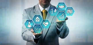 Gesundheitswesen-Manager Budgeting For Improvement lizenzfreie stockbilder