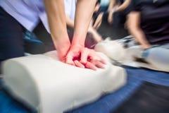Gesundheitswesenerste hilfe von Herz-Lungen-Wiederbelebung CPR-Training stockfotos
