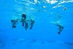 Gesynchroniseerd Team Swimming Girls Royalty-vrije Stock Foto's